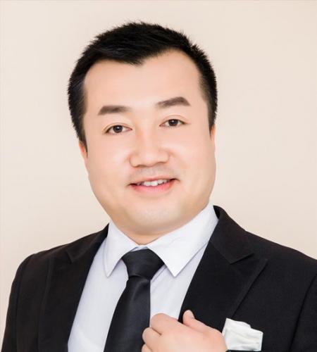 语文教师傅经博