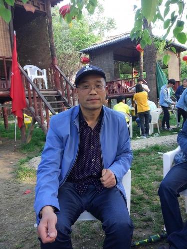 政治教师范天荣