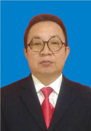 语文教师张亚林